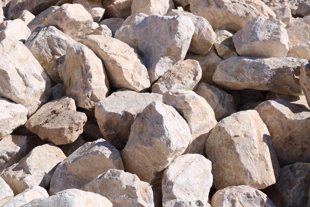 Landscape Rocks (Landscaping Boulders) – 2' to 4' Stone)