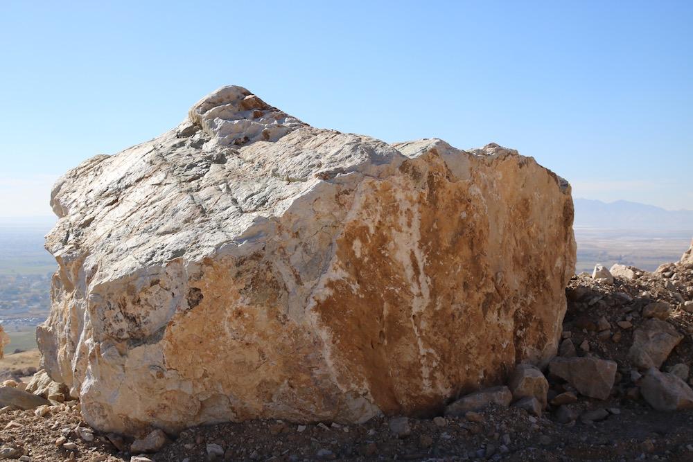 Landscape Rocks (Landscaping Boulders) – 5' and larger